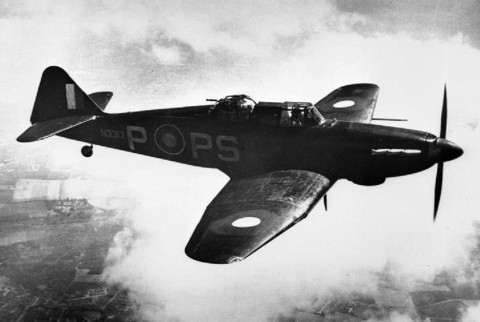 Boulton_Paul_Defiant_Mk_I_in_flight.jpg