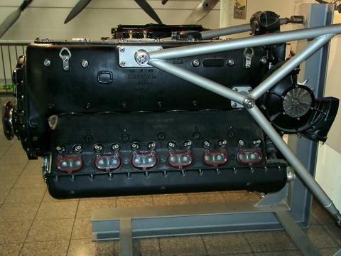 Daimler-Benz-DB_601A copy.jpg