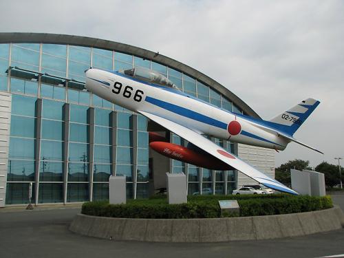 F-86_01.jpg