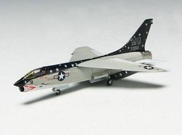 F-8_02.jpg